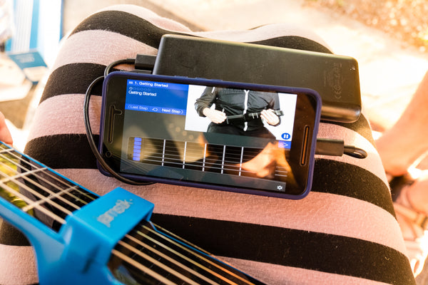 Learning guitar with jamstik+ and jamTutor App