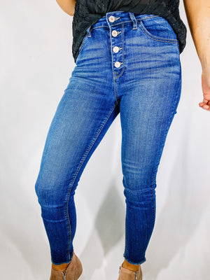 "<img src=""High-Rise-Stretch-Ankle-Skinny-Jeans-Front.jpg"" alt=""high rise stretch ankle skinny jeans front view"">"