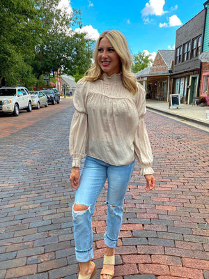 "<img src=""Long-Sleeve-Satin-Blouse-Champagne-Full.jpg"" alt=""long sleeve satin blouse in champagne full view"">"