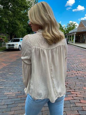 "<img src=""Long-Sleeve-Satin-Blouse-Champagne-Side.jpg"" alt=""long sleeve satin blouse in champagne side view"">"