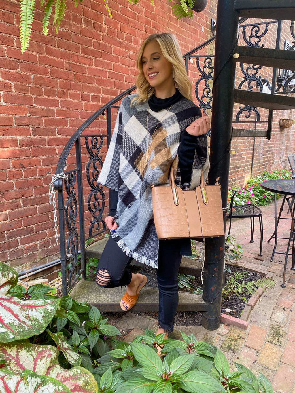 "<img src=""Neutral-Plaid-Flannel-Poncho-Front.jpg"" alt=""neutral plaid flannel poncho front view"">"