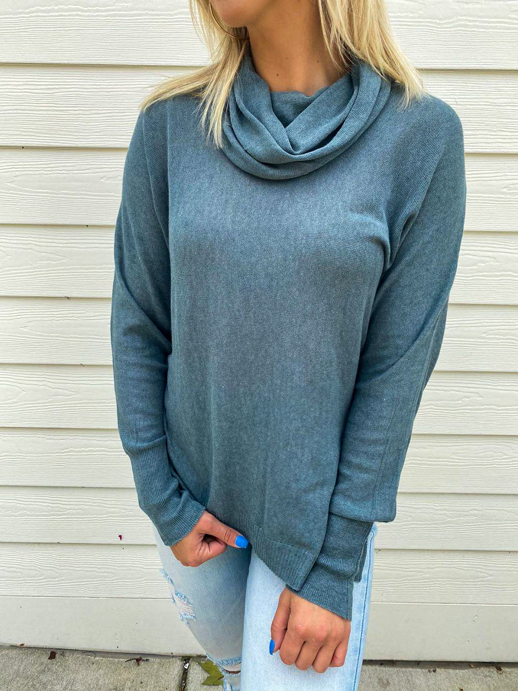 "<img src=""Soft-Cowl-Neck-Sweater-Teal-Front.jpg"" alt=""soft cowl neck sweater in teal front view"">"