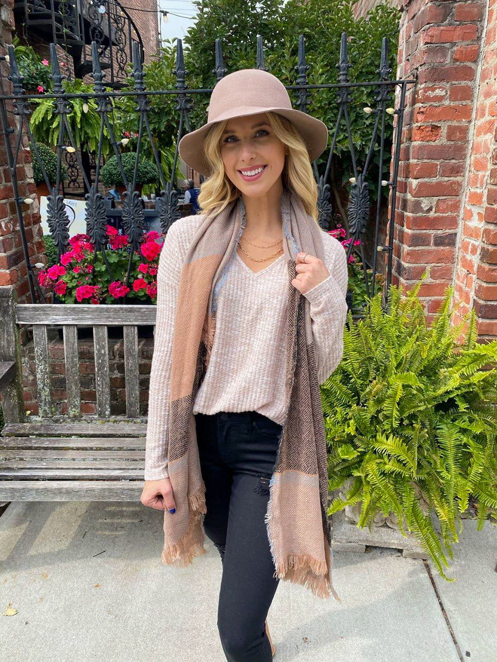 "<img src=""Soft-Waffle-Knit-Thermal-Oatmeal-Front.jpg"" alt=""soft waffle knit thermal in oatmeal front view"">"