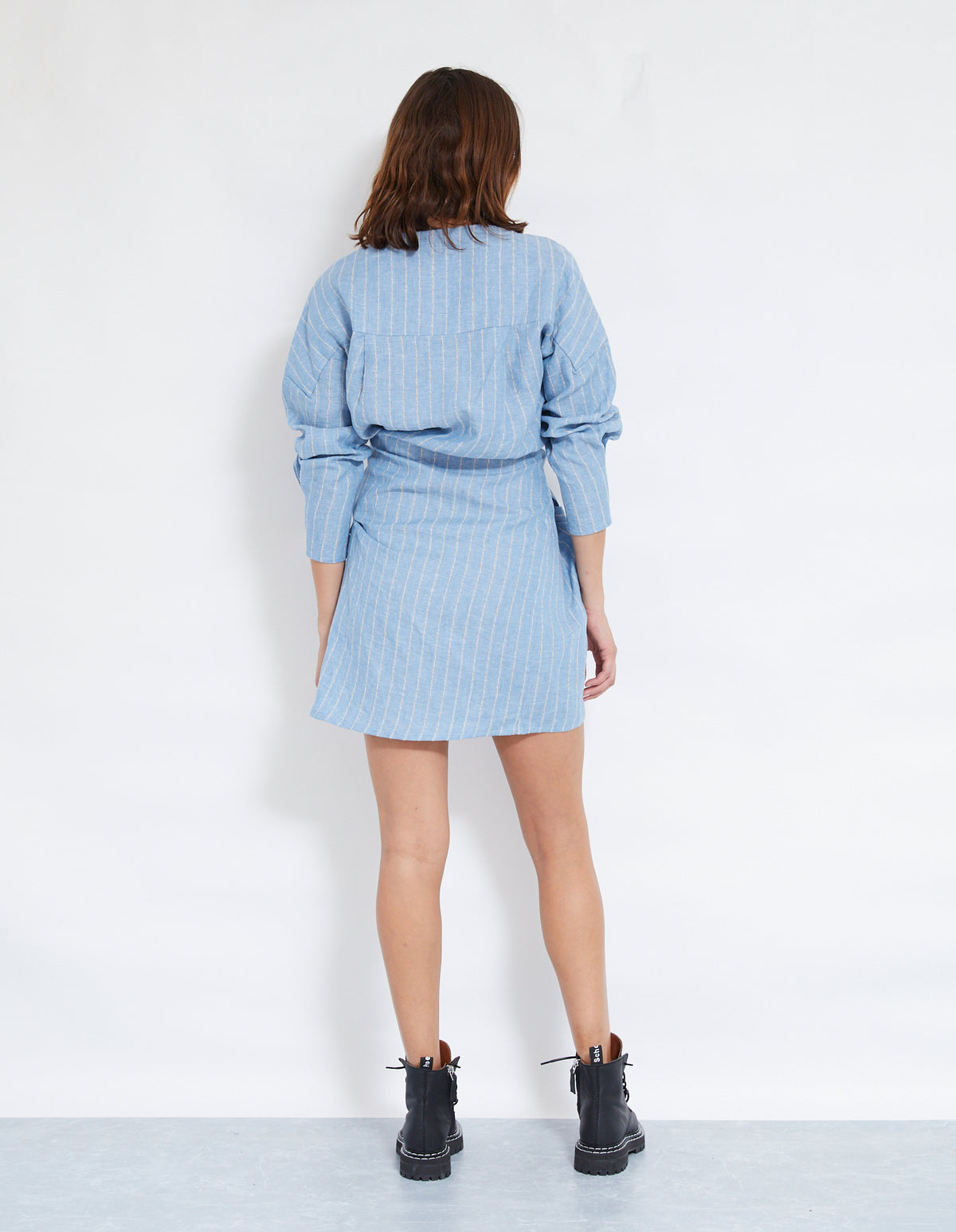 LOVERS LINEN TWIST DRESS | CHAMBRAY
