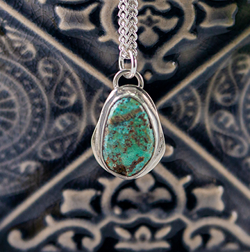 Vintage American SW mine Turquoise and silver pendant