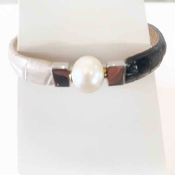 Crocodile belly and pearl bracelet