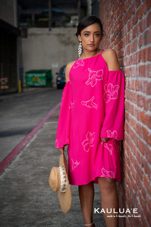 KIA HALTER DRESS w/ WIDE SLEEVES (Plumeria on Fuchsia)