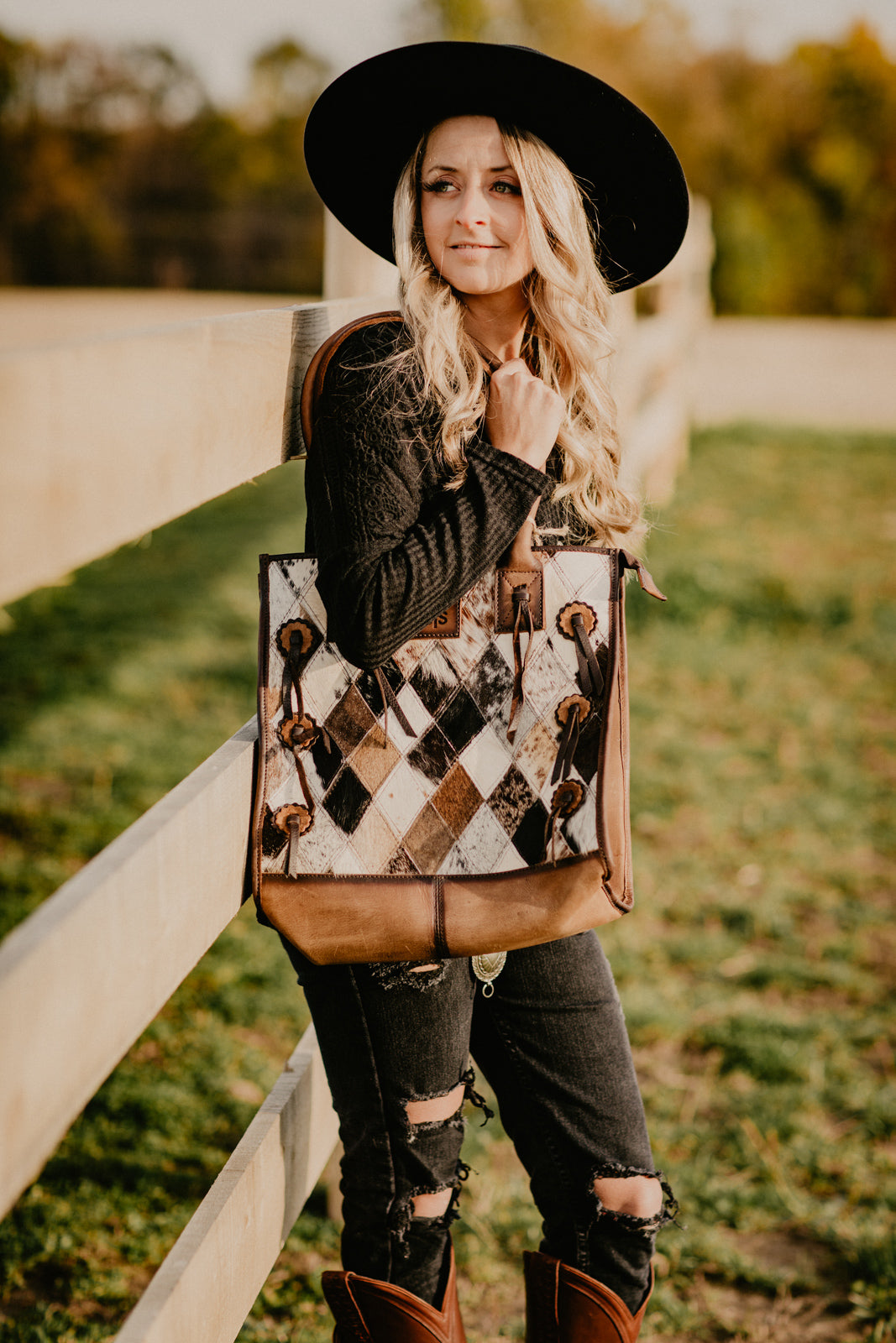 STS Diamond Cowhide Tote Purse