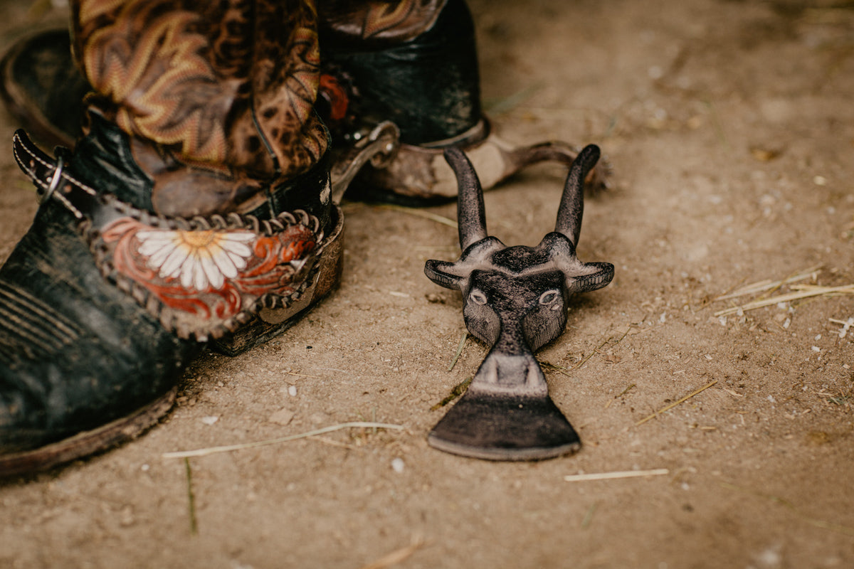 Cast Iron Bull Shaped Boot Jack