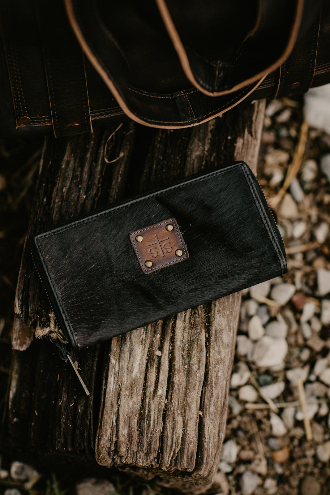 STS Cowhide Bifold Wallet