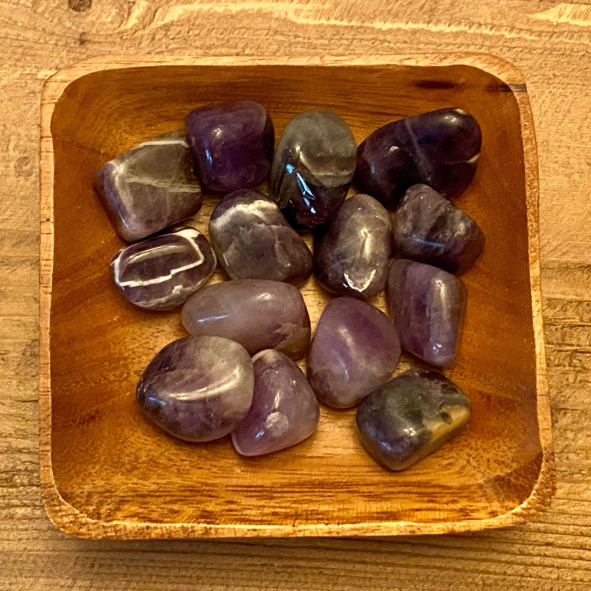ONE TUMBLED AMETHYST