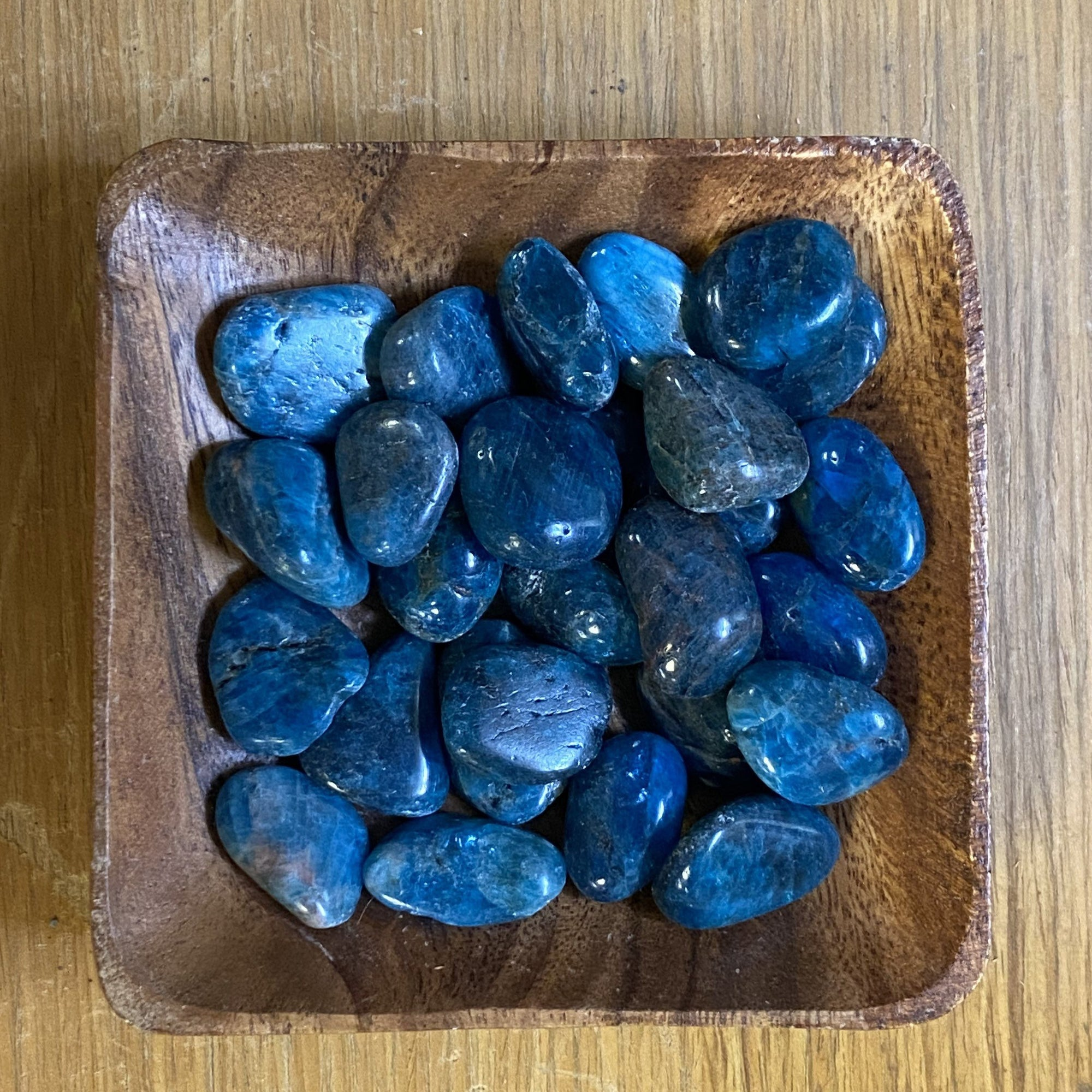 One small Apatite Tumbled Stone
