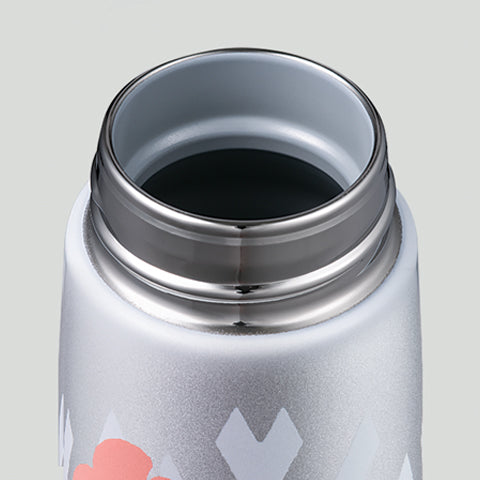 The rounded bottle opening is smooth and comfortable to the touch