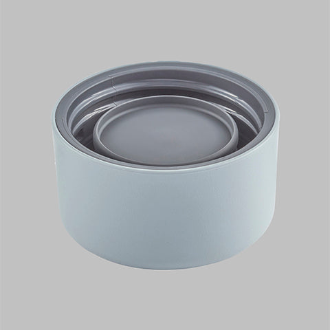 One-Piece twist-off lid is leak-proof* and gasket-free *Leak-proof when used properly according to the instruction manual