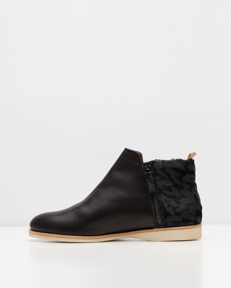Side Zip Boot - M DREAMS