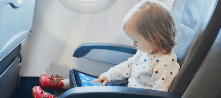 8 ways to stop toddler tantrums when travelling