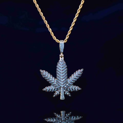 Hemp leaf Diamond Pendant (Green Gold)
