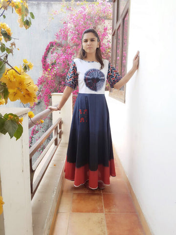 Cotton full length dress with buddha motif: 0Sdr1760