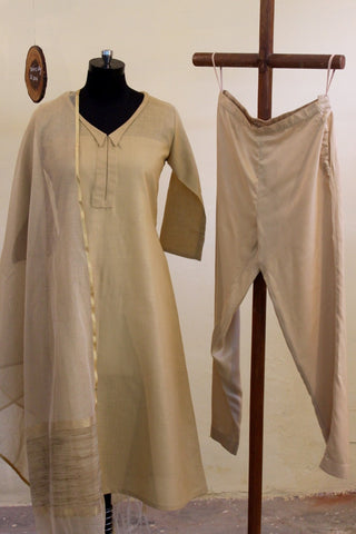 Cotton Matka Dhagai suit sets with Aari embroidery bootas in back: OSsu0303B