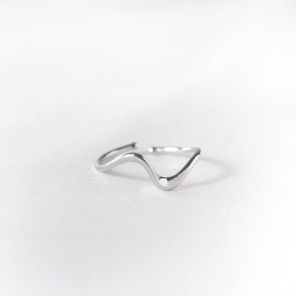 Remy Line Ring