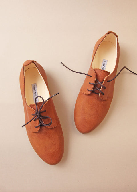 top view of cinnamon colour oxford soft nubuck leather shoes with black laces