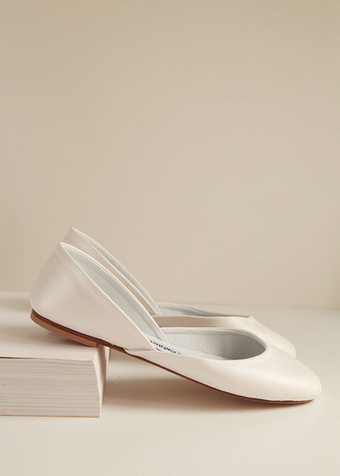 shimmering peral ivory smooth leather ballet flats in side view