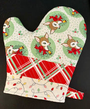 Load image into Gallery viewer, Deer Christmas Urban Chiks Oven Mitt kit Insul-Bright DIY Homemade do it yourself