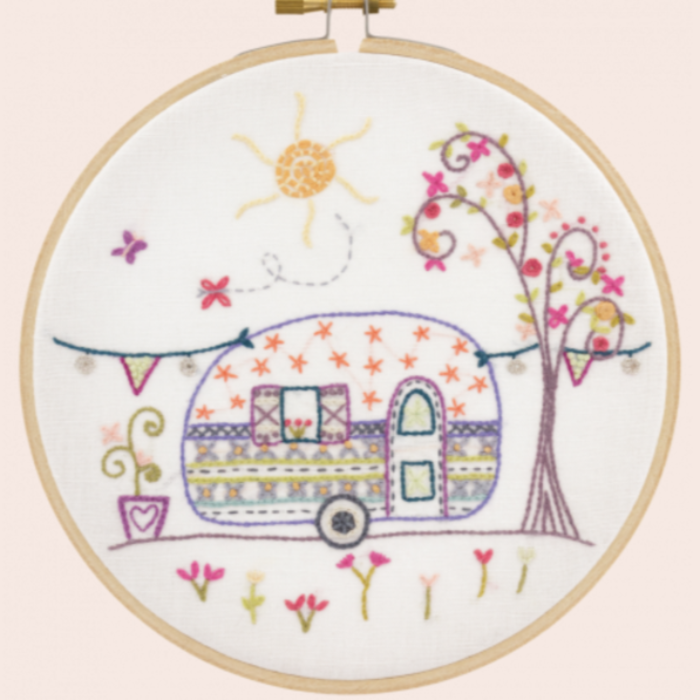 Aunt Suzanne's Travel Trailer Embroidery Kit Mde in France