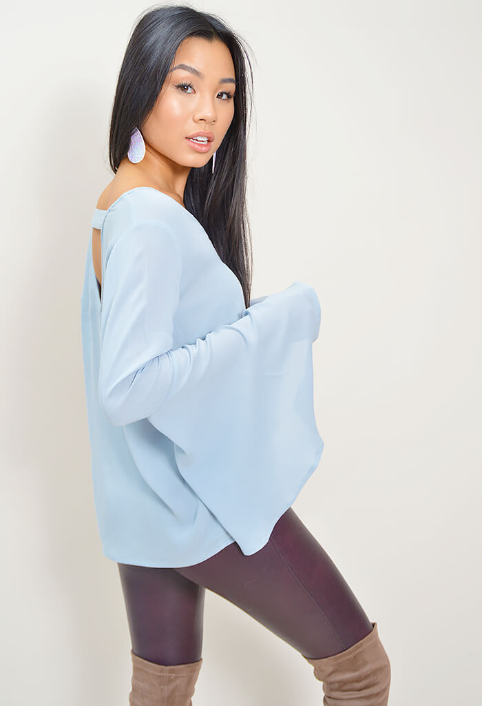 Talk To The Sleeve Blouse