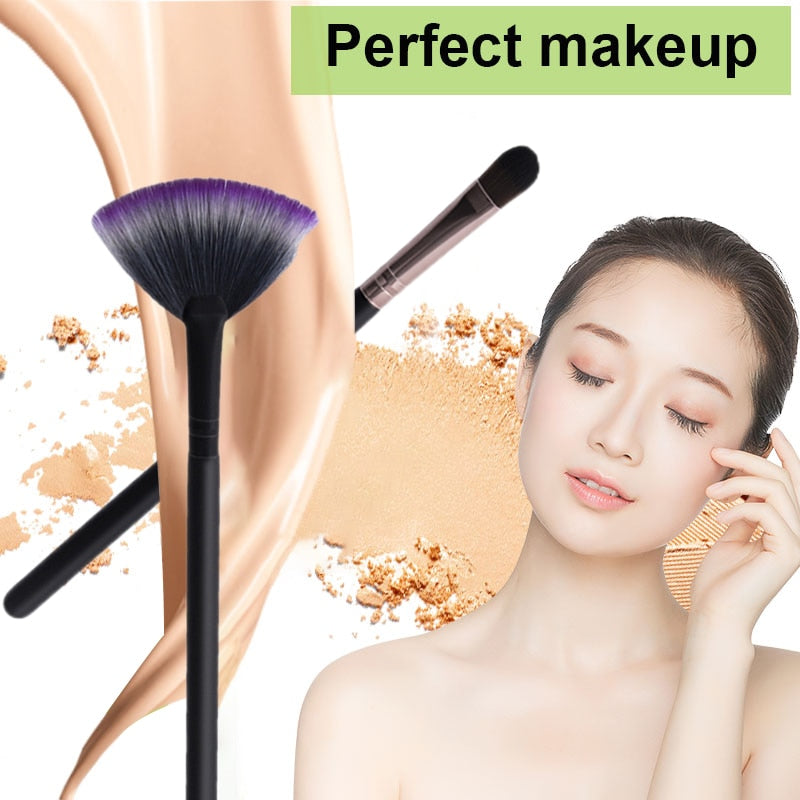 1pcs Makeup Brush Eye Brush Fan Powder