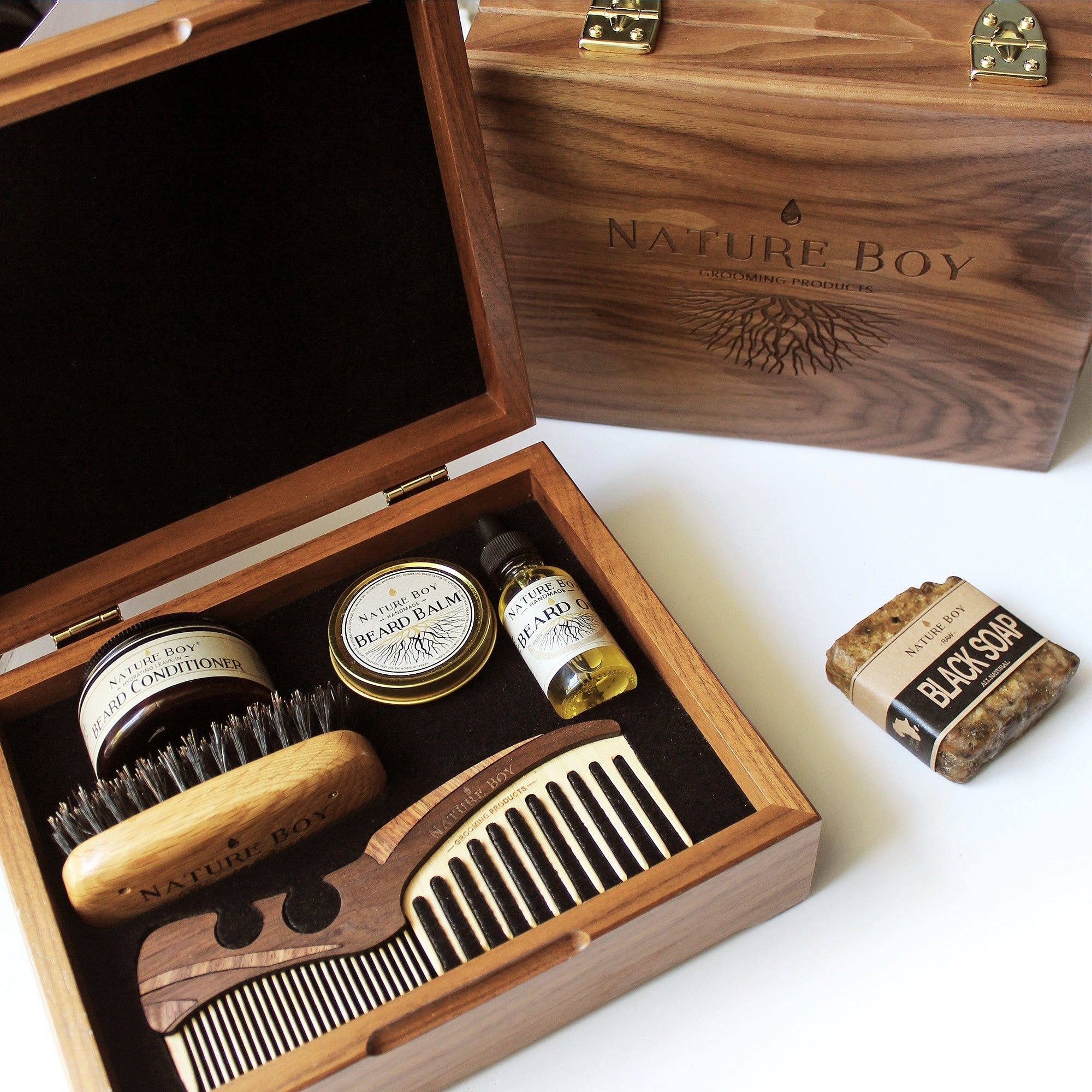 NATURE BOY Deluxe Beard Kit w/ Connoisseur's Grooming Box