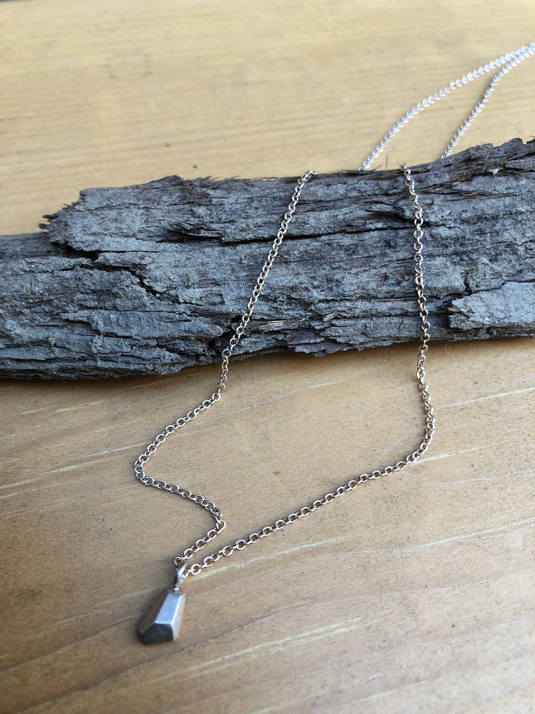 solid faceted necklace askew silver