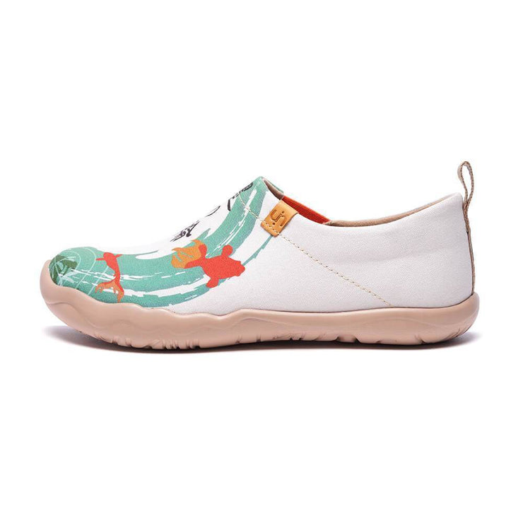 UIN Footwear Women -Goldfish- Art Painted Women Walking Shoes Canvas loafers