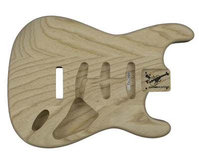 Guitar Bodies - SC BODY Vintage  (1950's) 3 pc Swamp Ash 1.9 KG - 808392 - Guitarbuild - 1