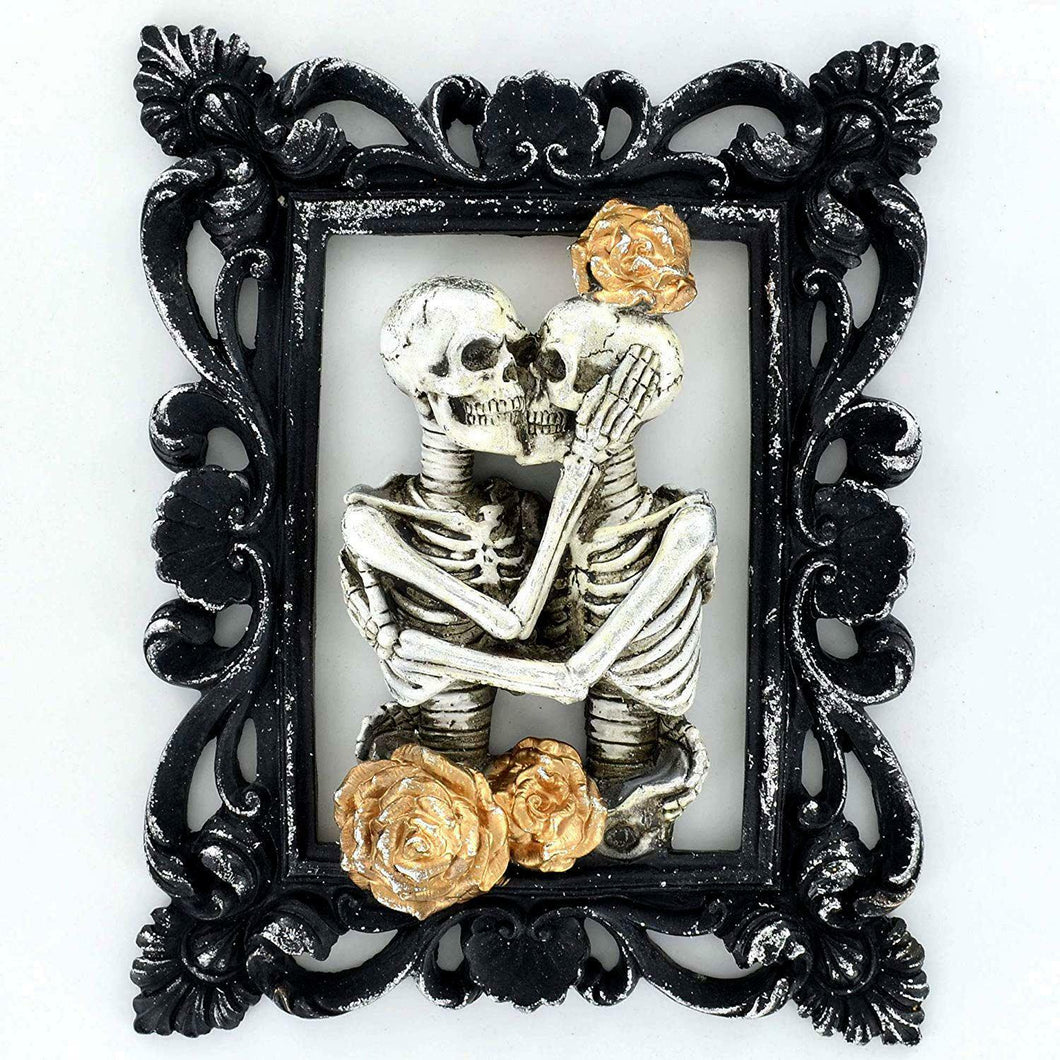 Skeleton Lovers Figure Portrait Gothic Style Ornament Decoration