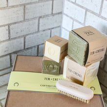 Load image into Gallery viewer, Fer à Cheval Marseille Soap Set with Nail Brush Gift Box