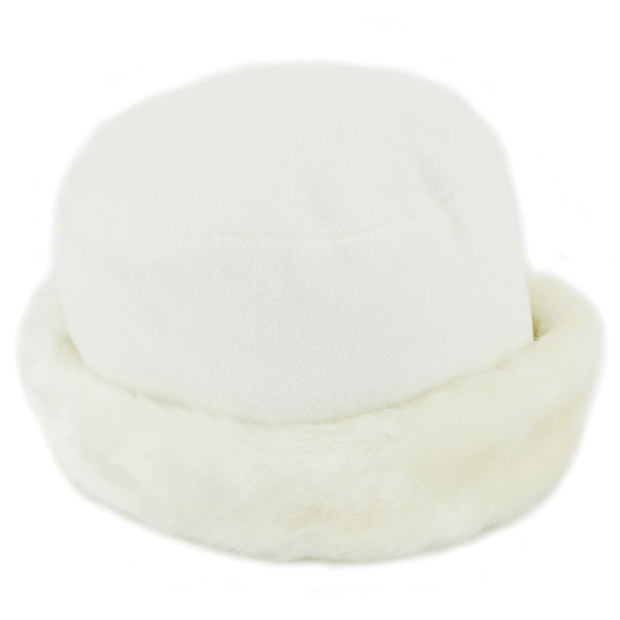 Fleece Hat with a Faux Fur cuff - White