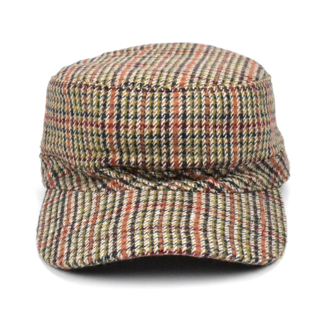 Classic Tweed country flat cap with flat top and curved peak - Brown