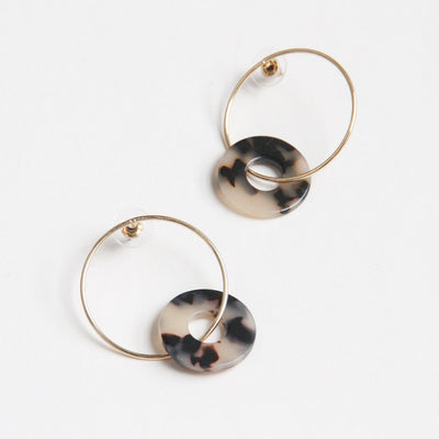 gold-tortoiseshell-linked-hoops-earrings-da6052-Jewellery-1