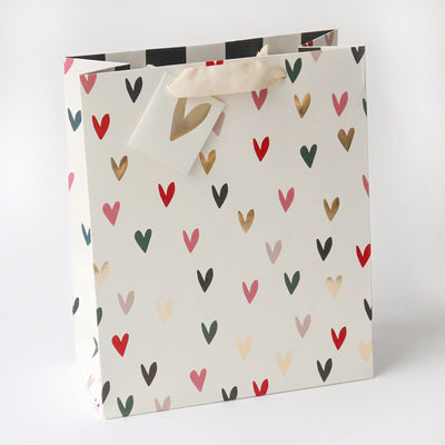 gift-bag-scattered-hearts-large-gbm683-Wrap-1