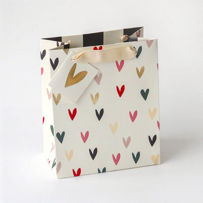 gift-bag-scattered-hearts-medium-gbs684-Wrap-1
