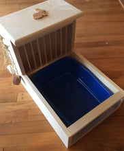 Load image into Gallery viewer, Rabbit Hay Feeder With Litter Box, dowel model