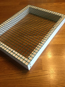 Wire mesh insert for litter trays