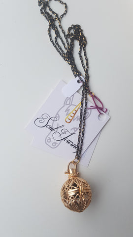 Soul Journey - Gold essential oils necklace