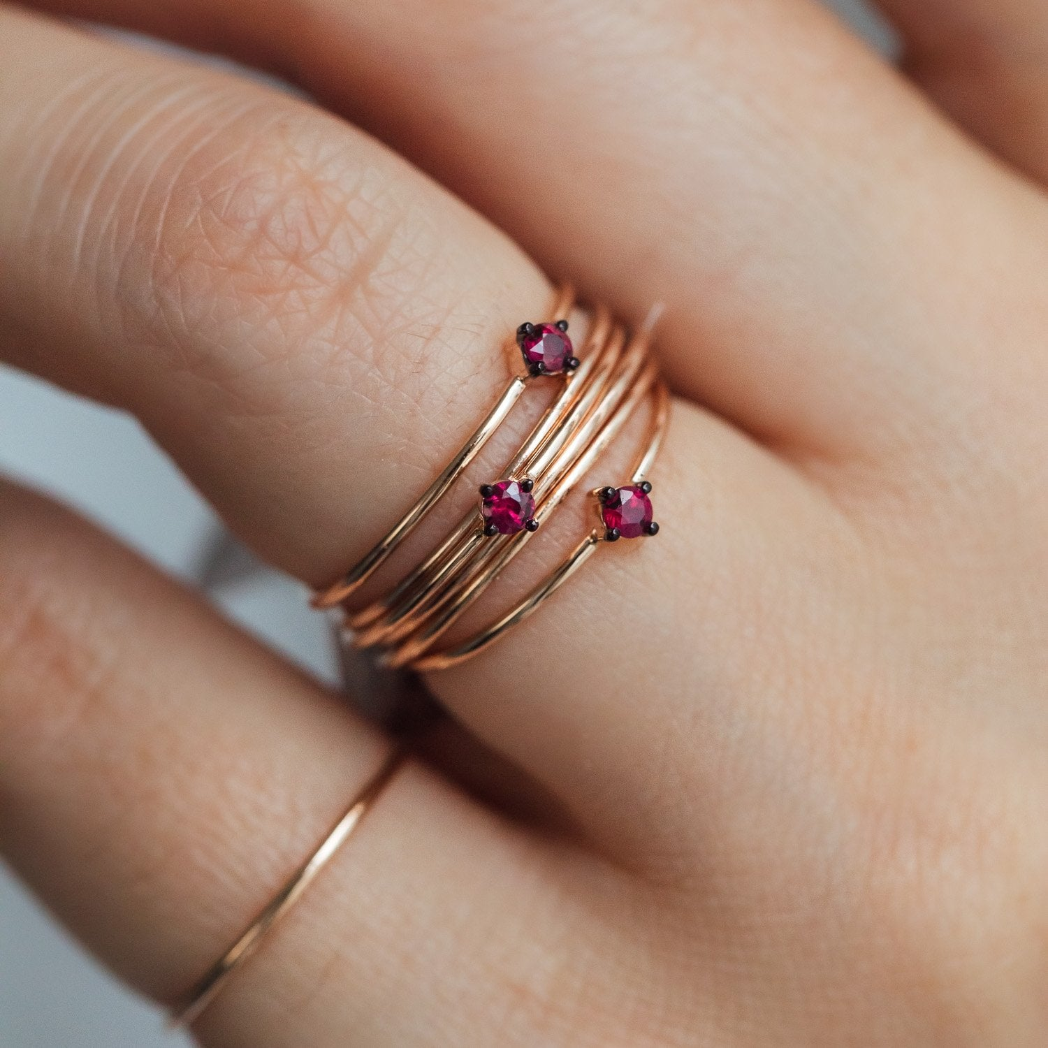 Ring MAY in 18 KT Rose Gold with 1 Ruby