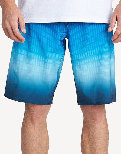 "Billabong Men's Fluid Pro B&T 21""  Boardshort#color_blue"