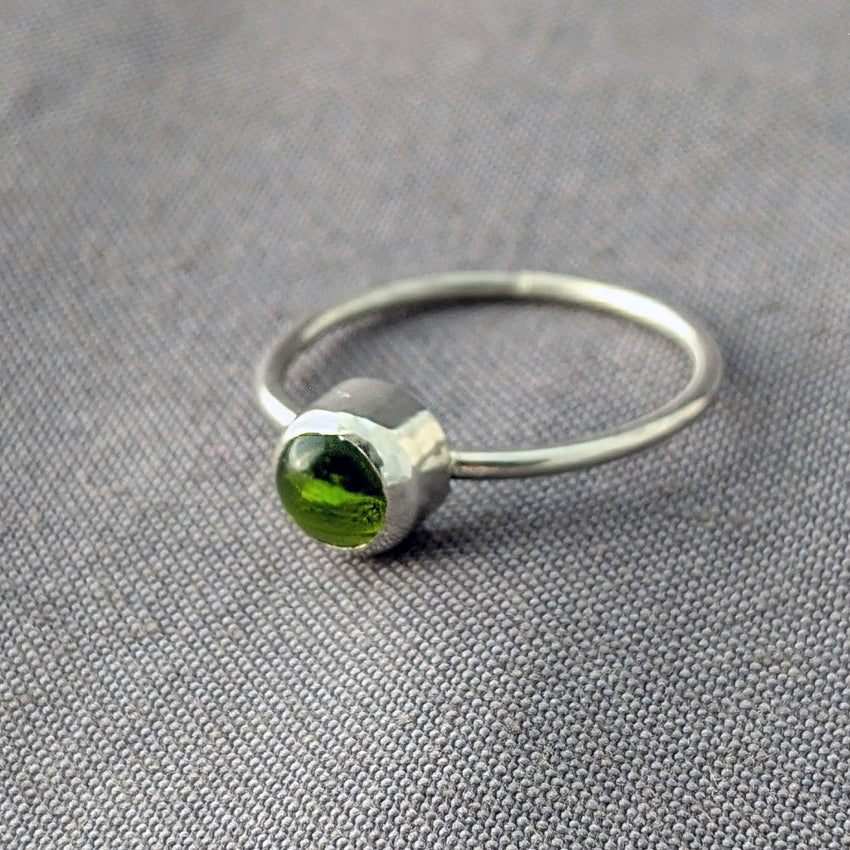 Spring Green Glass Cabochon Stacking Ring, Size 7.25
