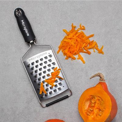 Microplane Gourmet Series Ultra Coarse Cheese Grater, Black Handle