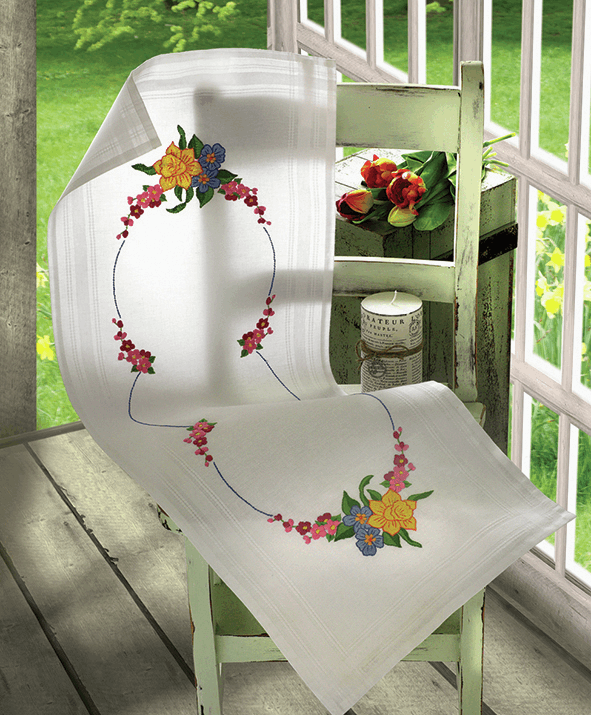 Daffodil Runner - Anchor Embroidery Kit 9240000\3130