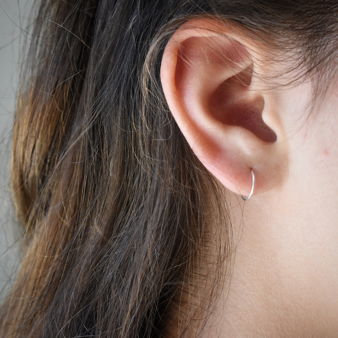 Hoop Sizing - Measuring Your Ears to Know Which Hoop Size is Best For You